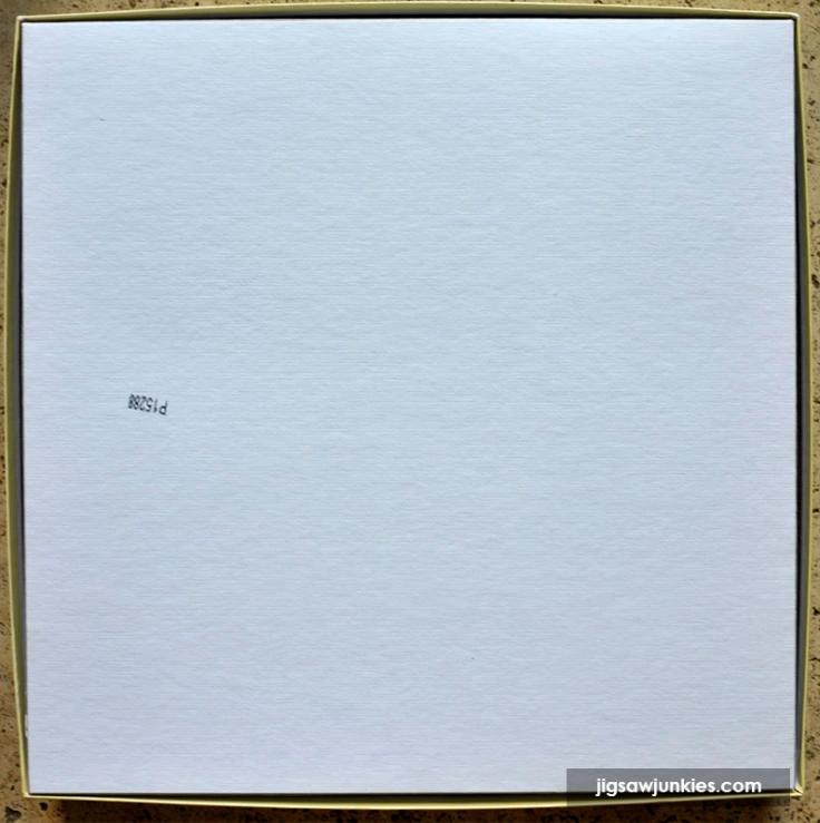 Sunsout_SummerHouse-Box2