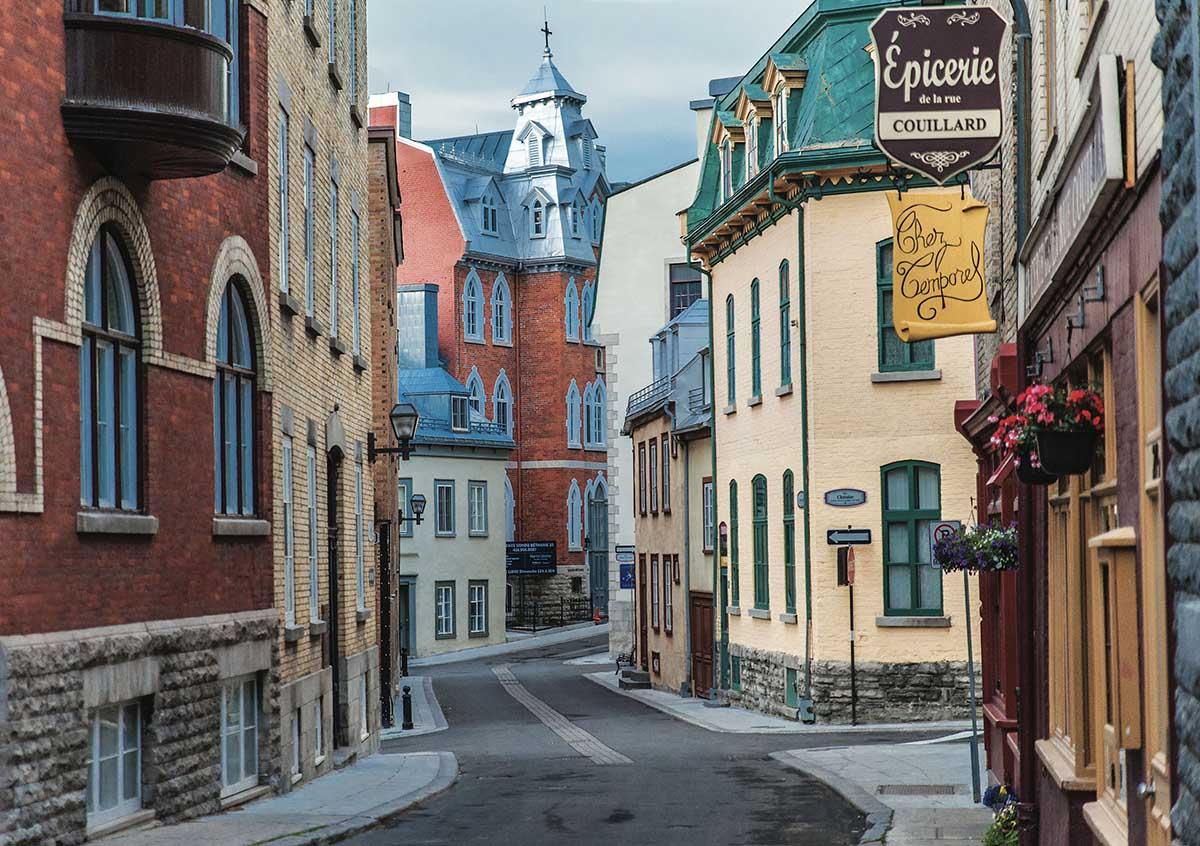 Old Qubec Street Street Scene Jigsaw Puzzle