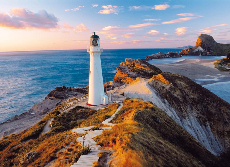 New Zealand Lighthouse - Scratch and Dent Beach Jigsaw Puzzle
