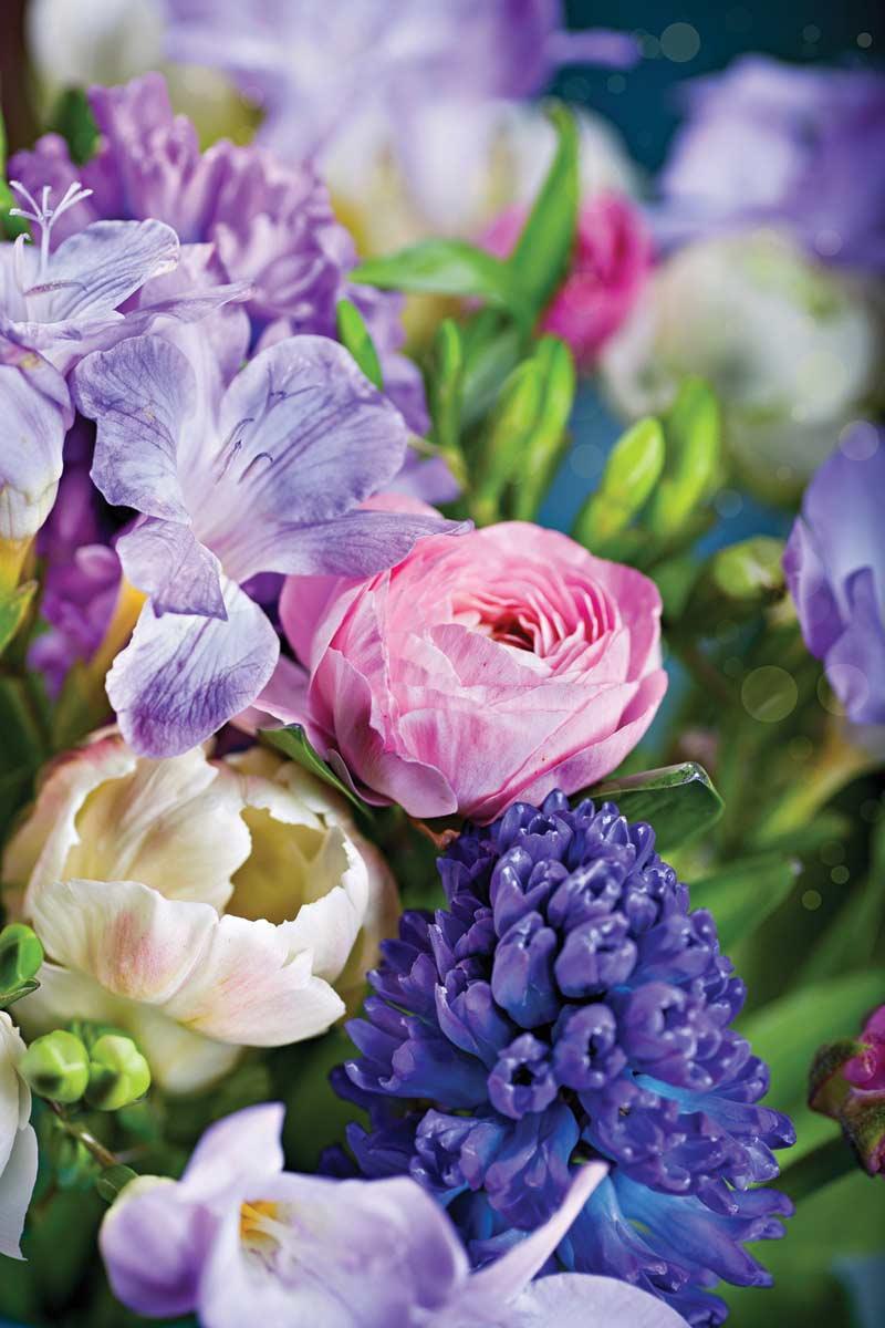 Vibrant Photography - Spring Bouquet Jigsaw Puzzle | PuzzleWarehouse.com