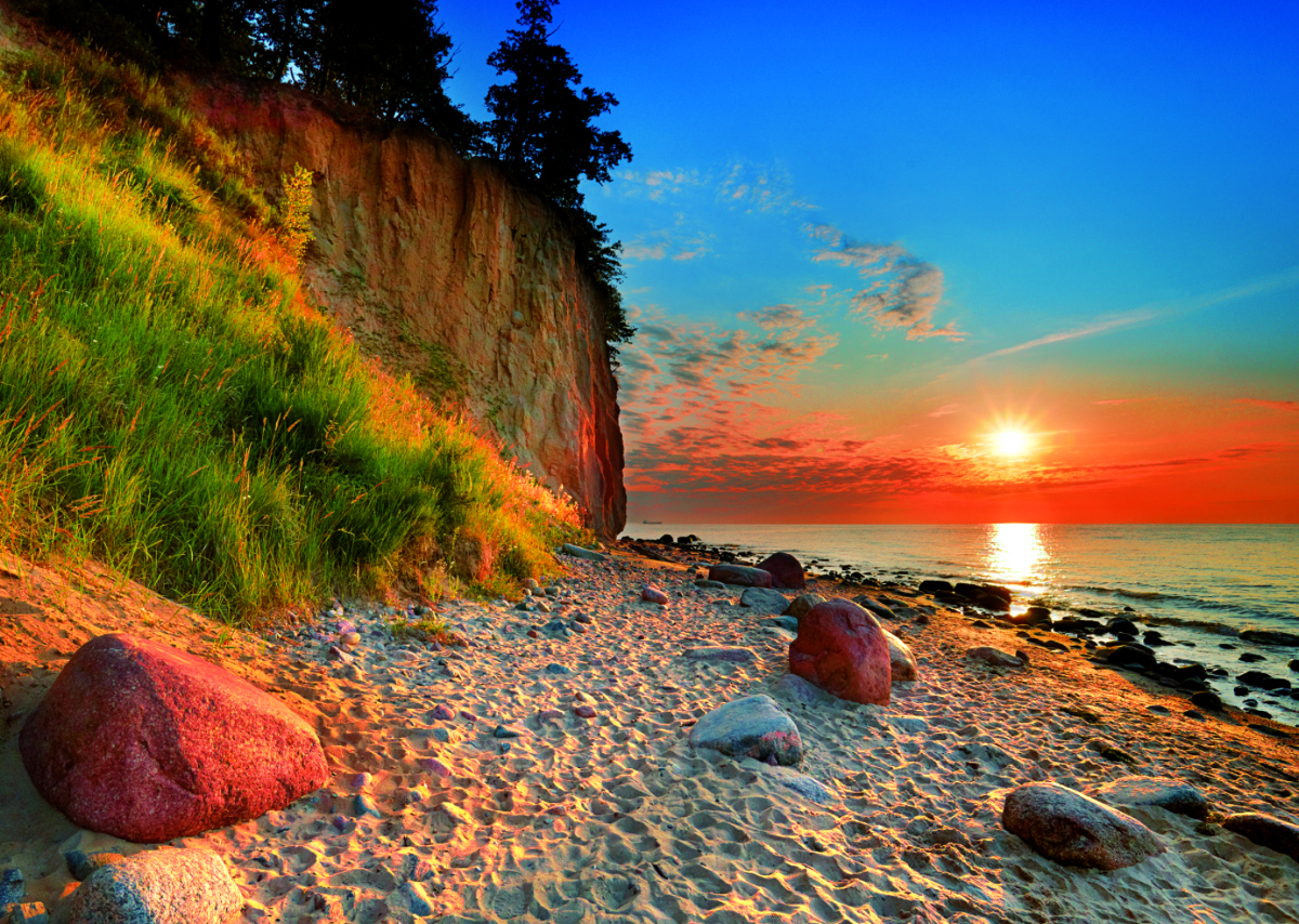 Ortowski Cliff - Scratch and Dent Seascape / Coastal Living Jigsaw Puzzle