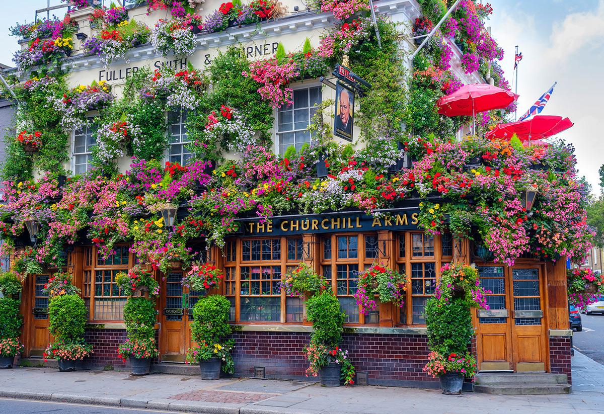 London Pub M Street Scene Wooden Jigsaw Puzzle