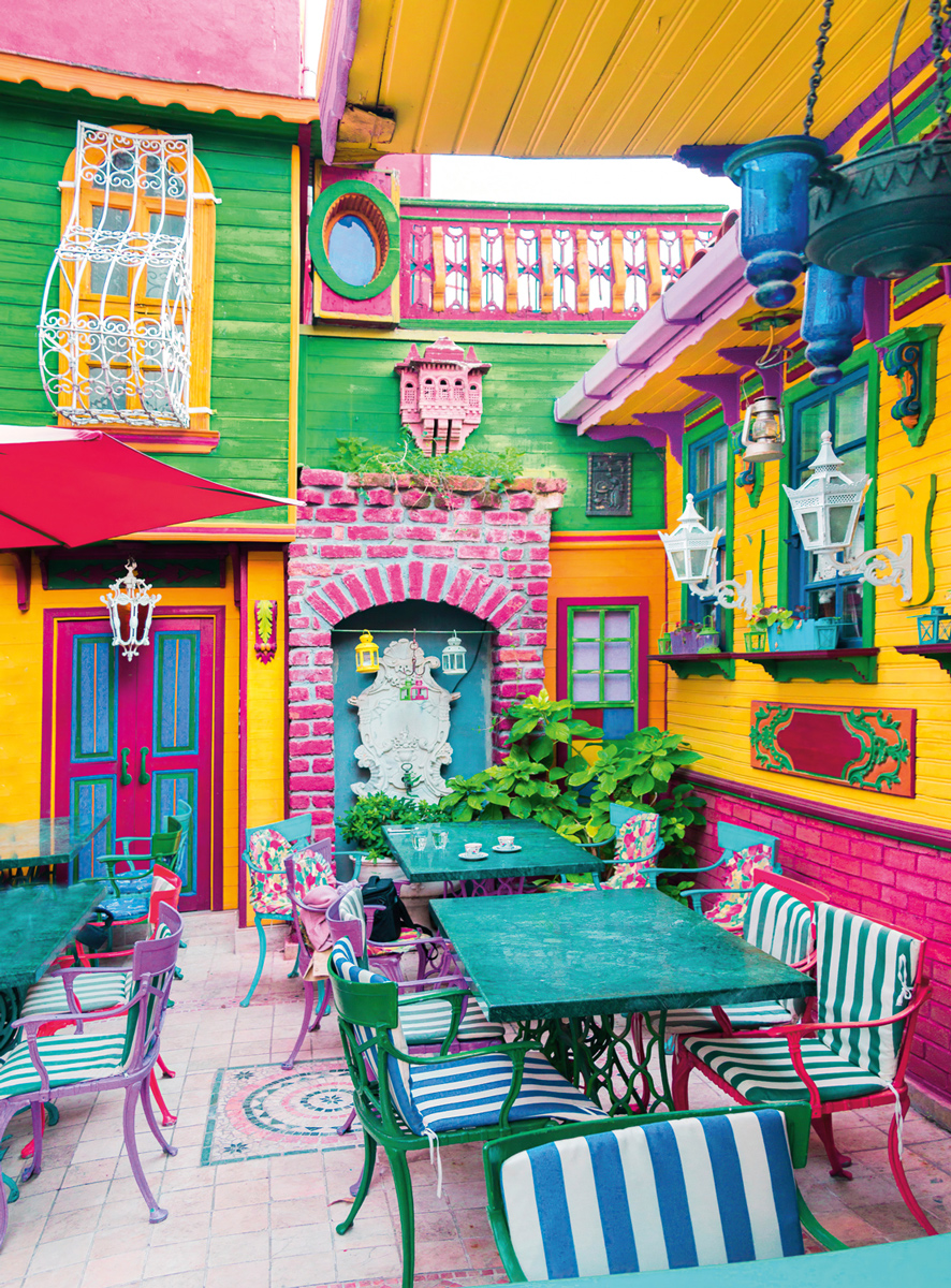 Blanc Series: Instanbul Brights Street Scene Jigsaw Puzzle