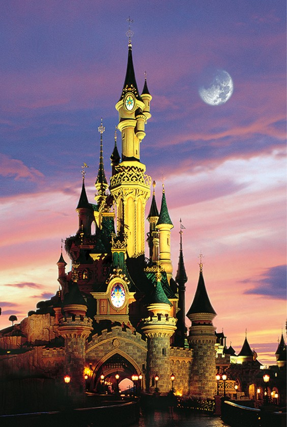 Fantasy World Castles Glow in the Dark Puzzle