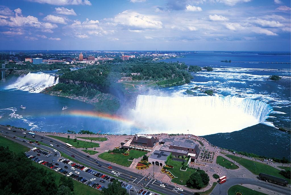 Niagara Falls, Canada Landmarks / Monuments Glow in the Dark Puzzle