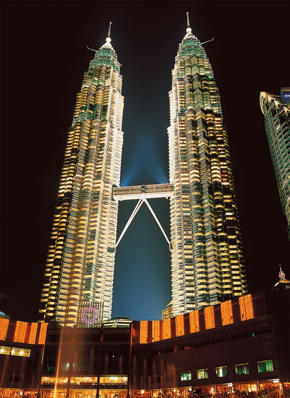 Twin Towers, Malaysia Landmarks / Monuments Glow in the Dark Puzzle