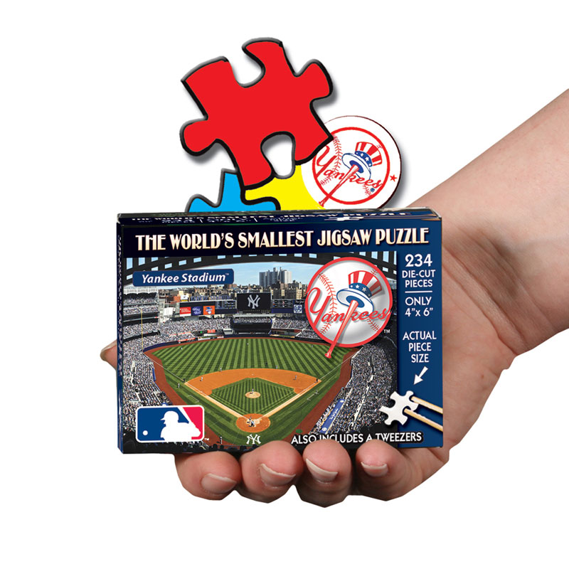 World's Smallest Puzzles MLB - New York Yankees Sports Jigsaw Puzzle