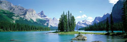 Maligne Lake Lakes / Rivers / Streams Jigsaw Puzzle