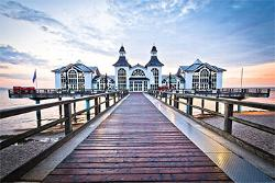 Sellin Pier Seascape / Coastal Living Jigsaw Puzzle