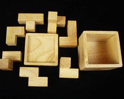 Soma Cube (Craftsman) Brain Teaser